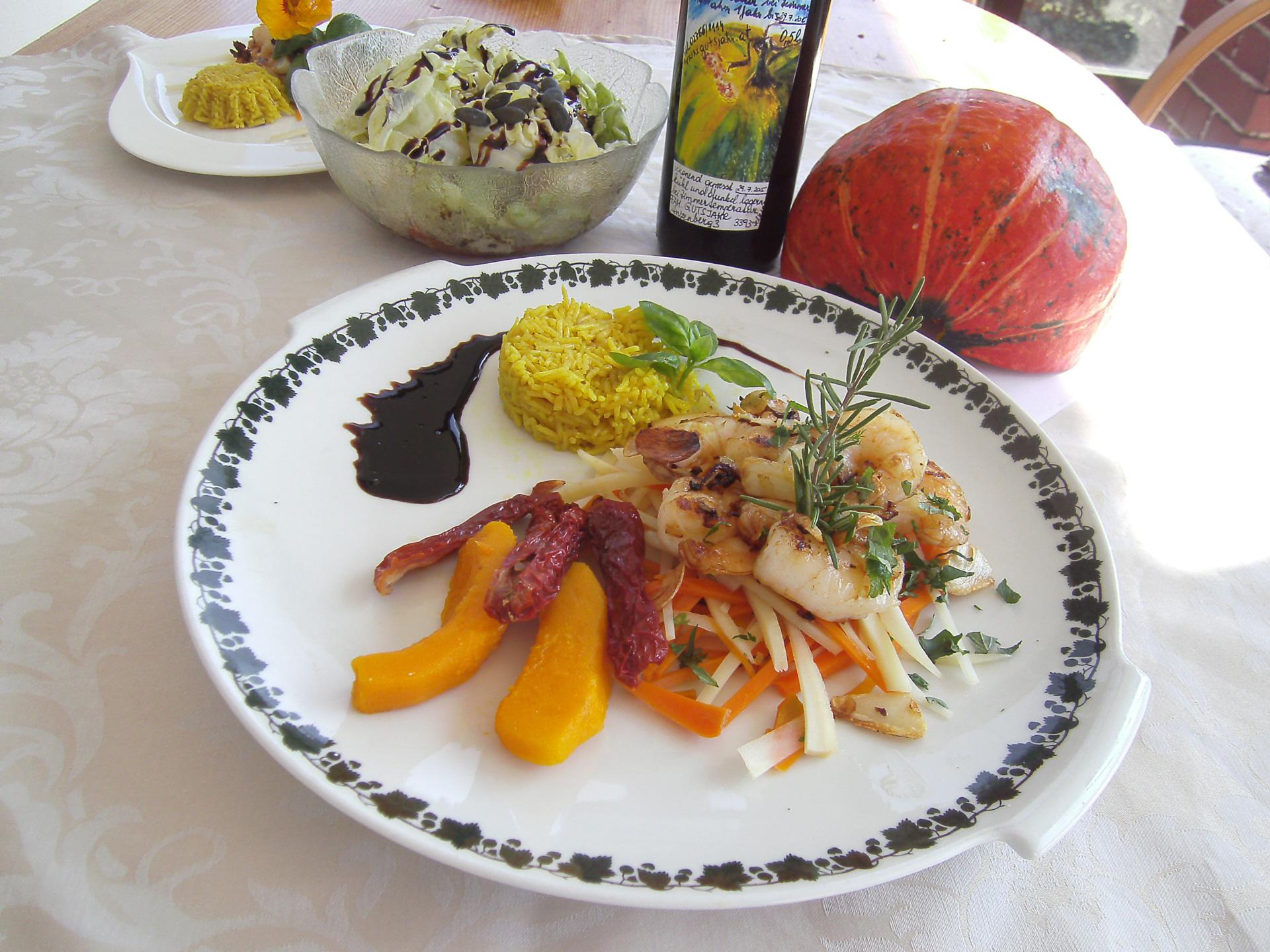 Garnelen mit Safranreis und Juliennegemüse